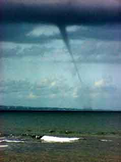 Petit Bourg/Guadeloupe FWI: A twister, i.e. the 'birth' of hurrican 'Jeanne' on 9/13/2004