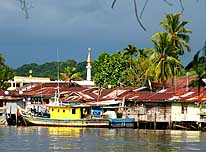 Miri/Sarawak/East Malaysia (Borneo): Traditional dwellings on stilts along the Miri River